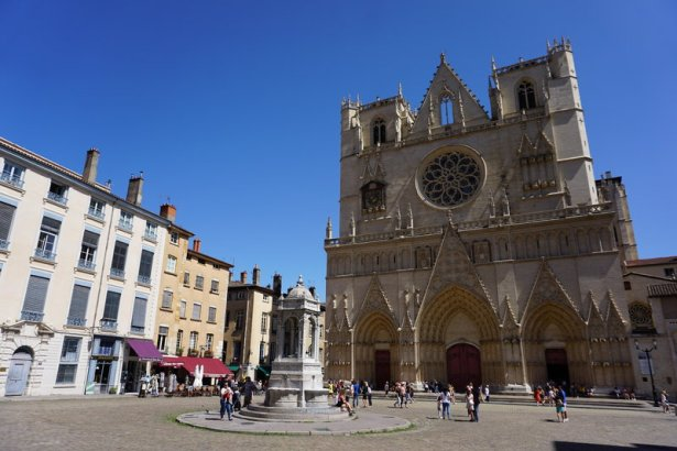 Things to see in Old Lyon - the 3 churches