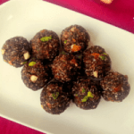 Ragi Flakes and Dates Laddu