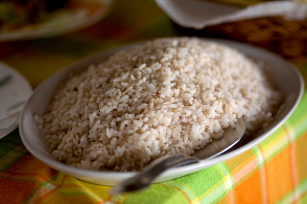 Rice is the preferred weaning food for babies, but Moms often wonder - what rice can I give my baby? Find out the benefits of common Indian rice varieties.
