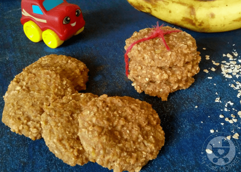 Give your older baby a different texture to taste with this healthy vegan banana oatmeal cookies recipe - also perfect for older kids!