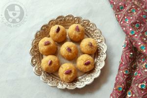 Khoya Kesar Laddu with Desiccated Coconut
