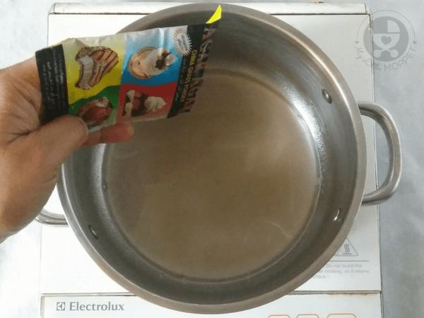 add agar gar powder to water in low flame