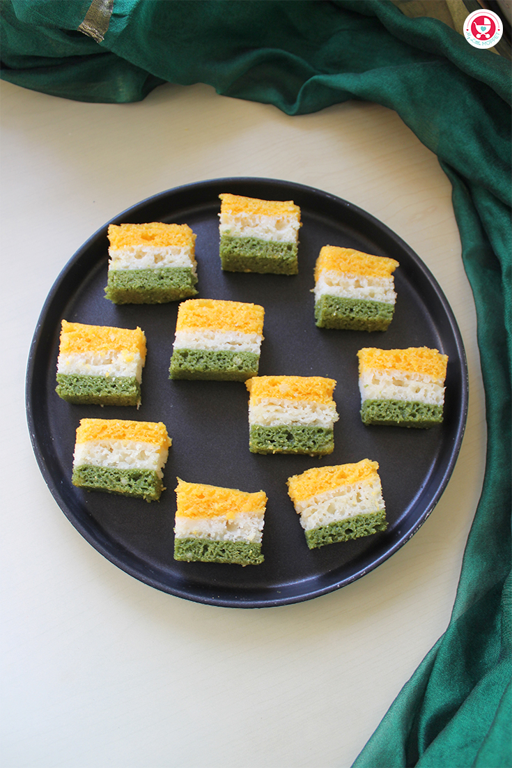Celebrate Independence Day the healthy way - with a tricolor dhokla recipe, made with vegetable purees!! The perfect breakfast for August 15th!