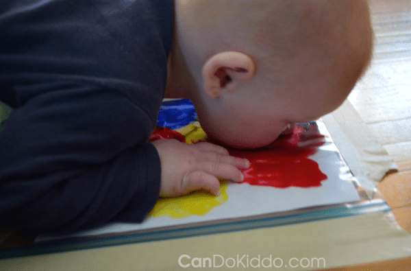 Can babies make art? They sure can! Check out these easy and fun art projects for babies to play with. Also includes baby safe DIY paint recipes!