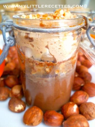 Petits pots de crèmes chocolat noir, noisette & meringue