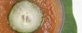 Soupe froide et fraîche concombre tomate