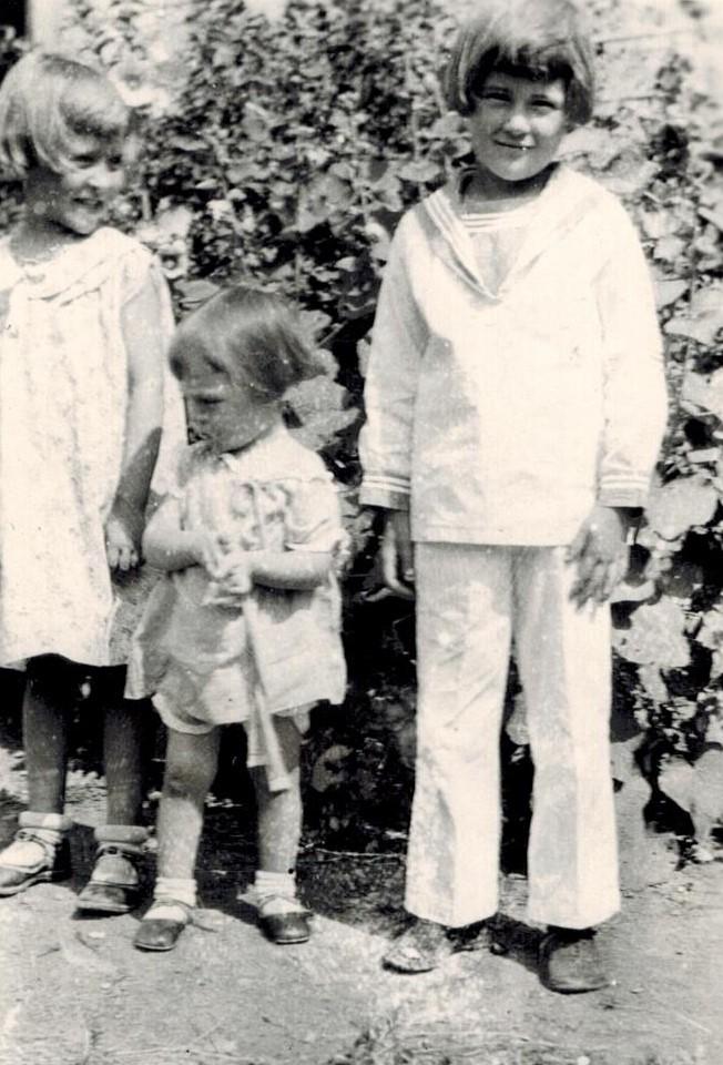 Naomi, Geneva, Wanda