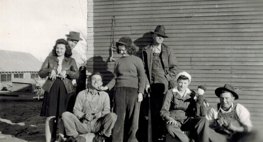 Vernon, Bonnie Everett, Naomi, Grandpa, doll, Wanda, Lee
