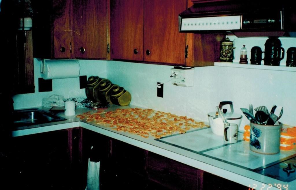 kitchen peanut brittle (2)