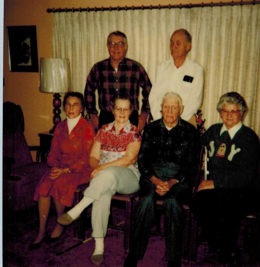 Keller kids with grandpa