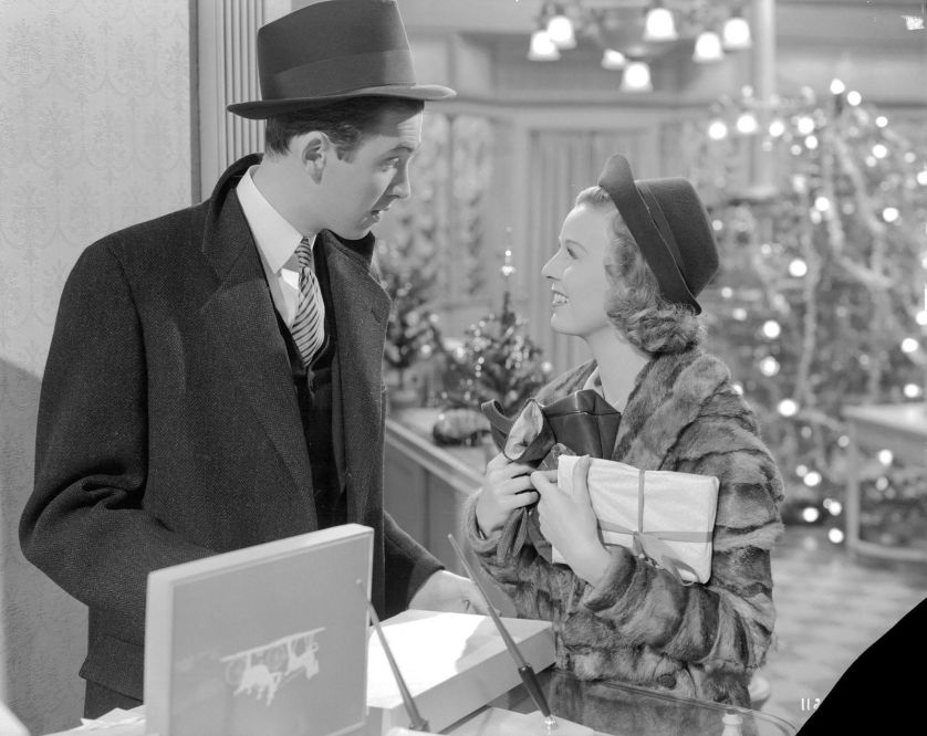 MONA'S FAVOURITE CHRISTMAS MOVIES… OLD FASHIONED STYLE.
