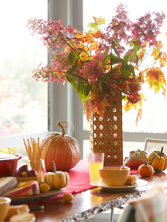 fall centerpiece table setting Decorate Your Home For Fall