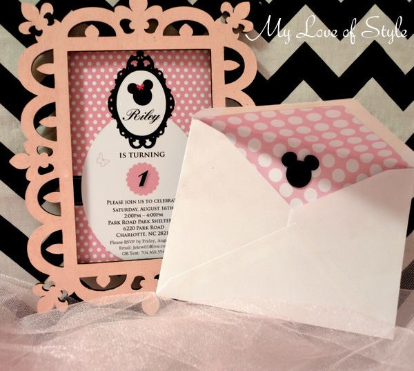 Minnie Mouse themed Envelope Liner
