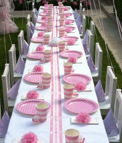 pink polka dot and stripe tablescape