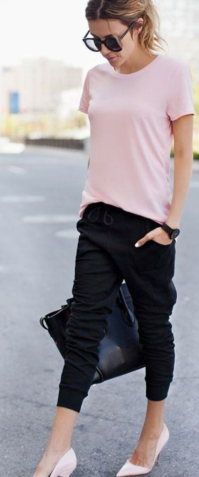 rose quartz tee and black cropped pants
