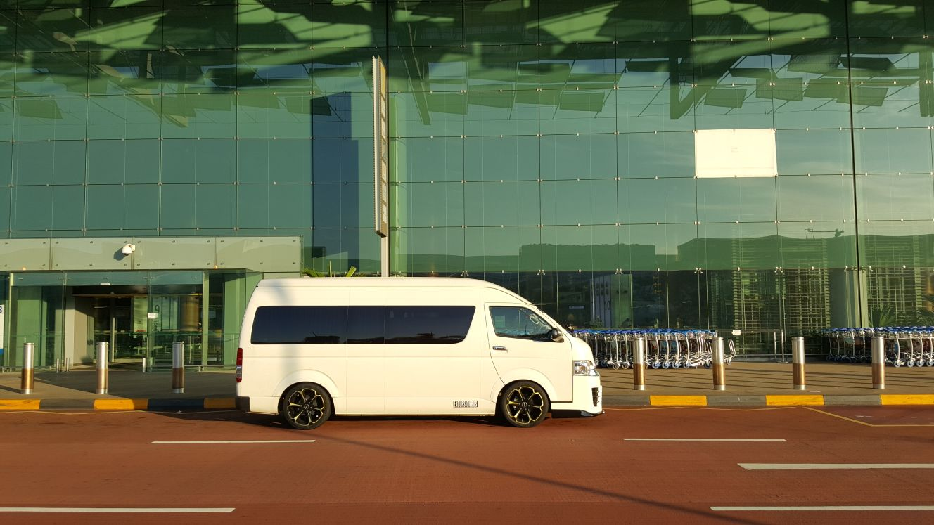 Maxi Cab for Airport Transfer