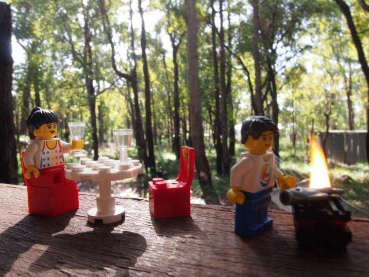lego-barbecue-foret