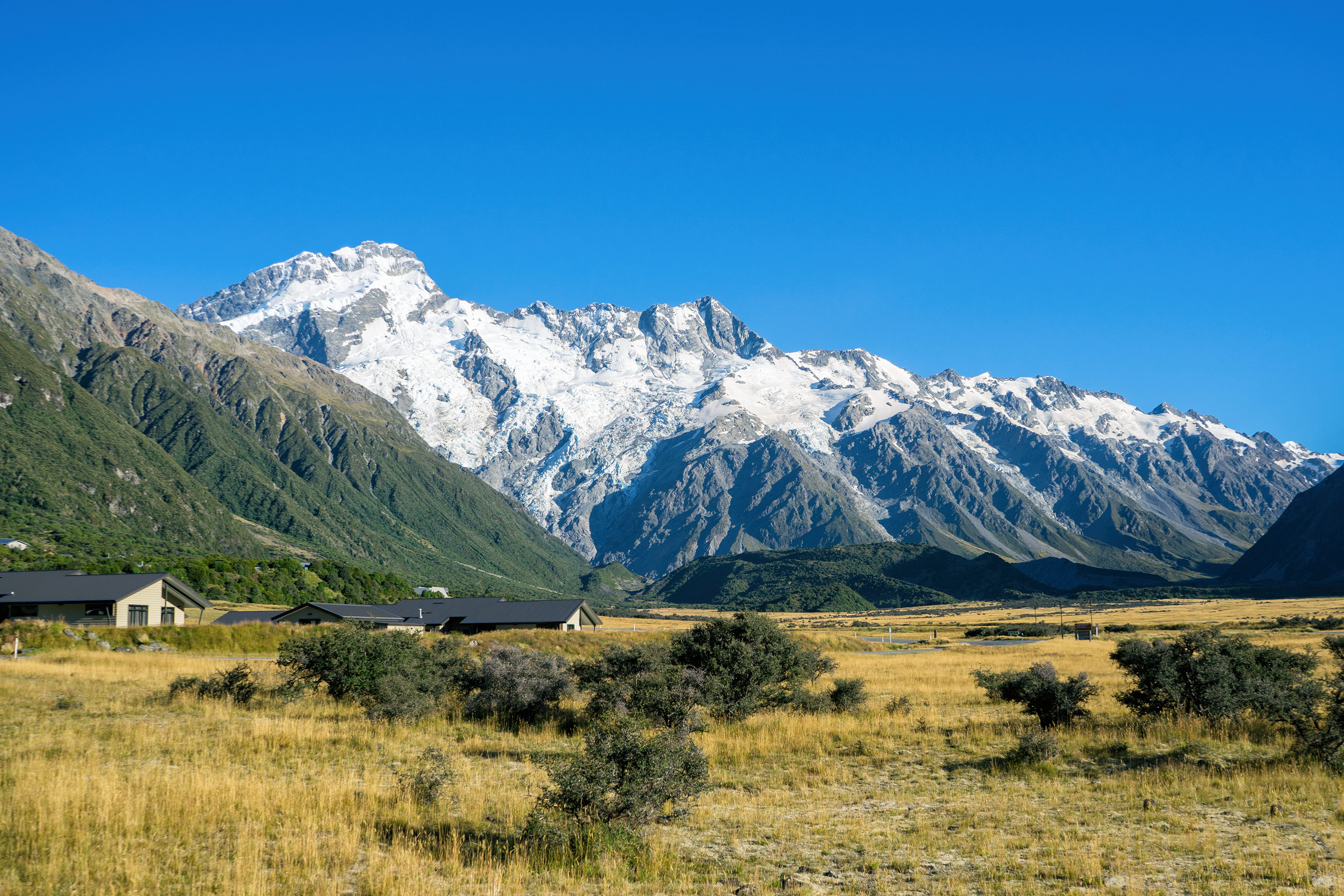Aoraki Mt Cook Village Mountains View