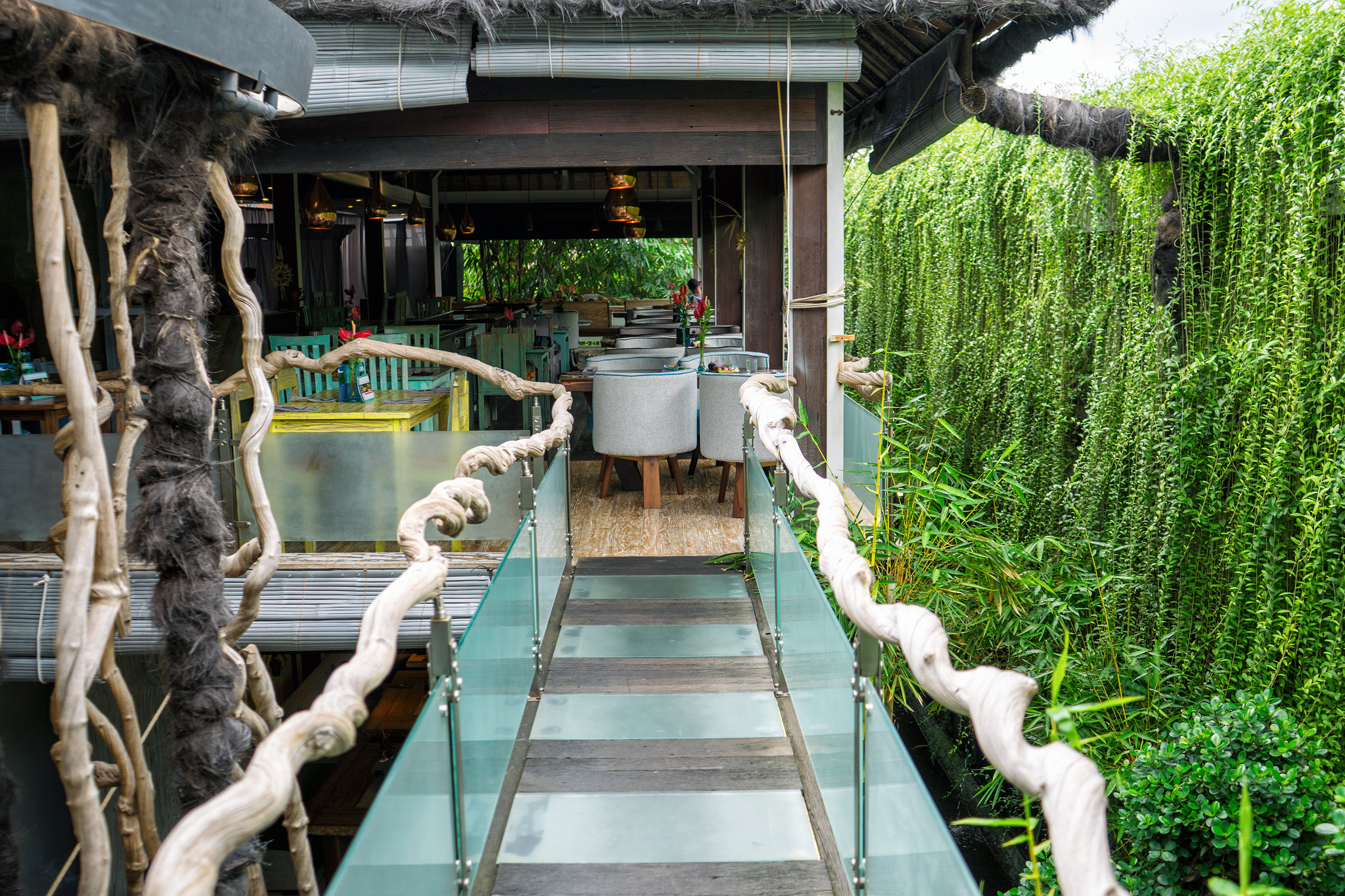 Bali Ubud Clear Cafe Bridge