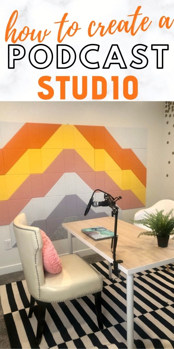 Wanting to start a podcast? Learn how to create your own at home podcast studio with this easy to follow step by step guide! via @mymommystyle