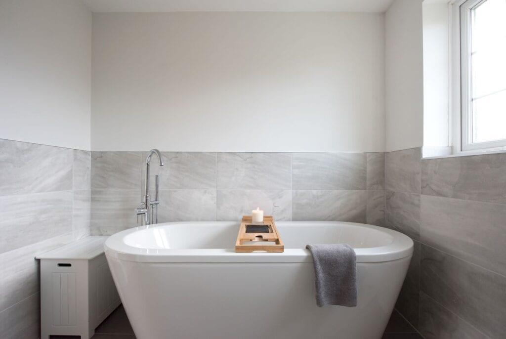 practical bathroom tile ideas to