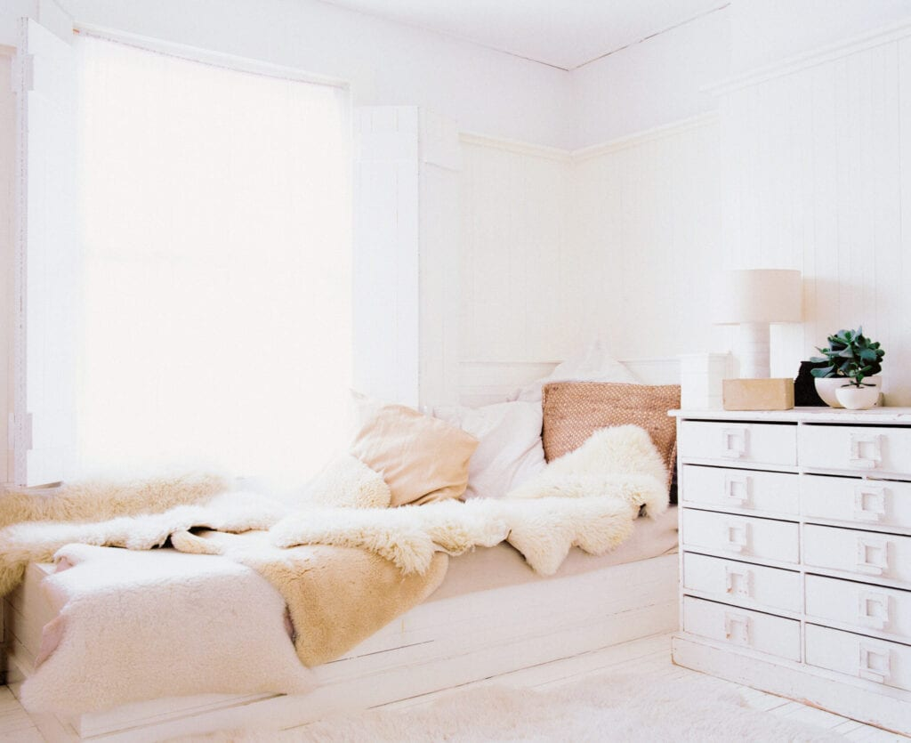 6 Creative Small Space Beds For More Usable Space