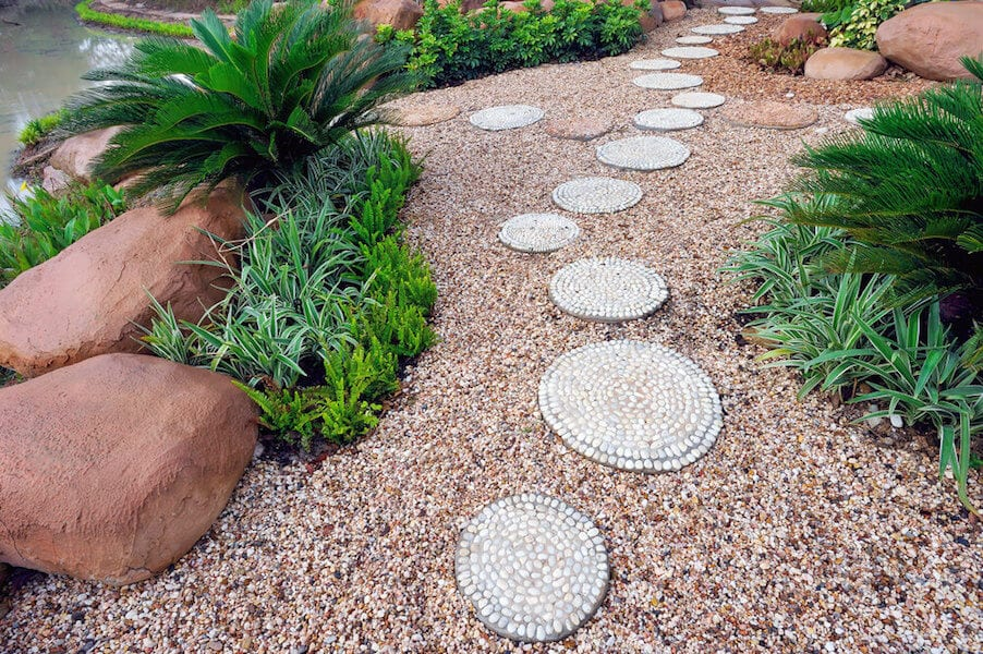 ideas for creative stepping stone pathways