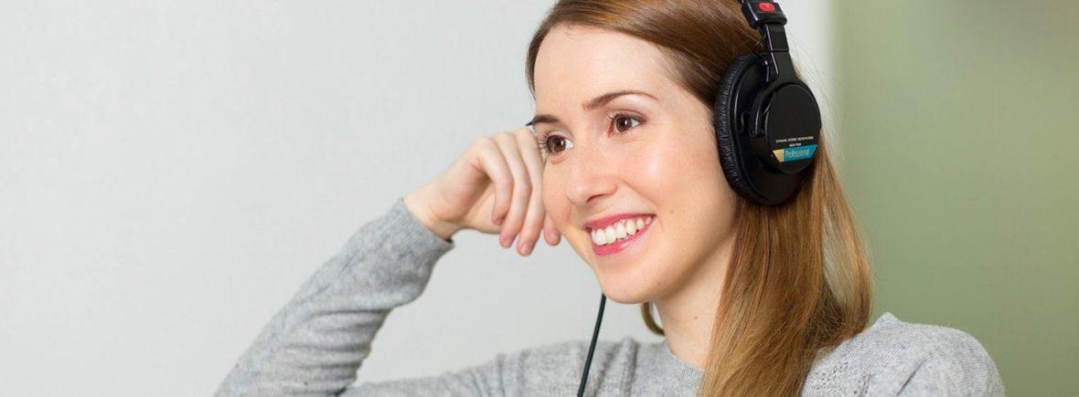 single session woman headphones