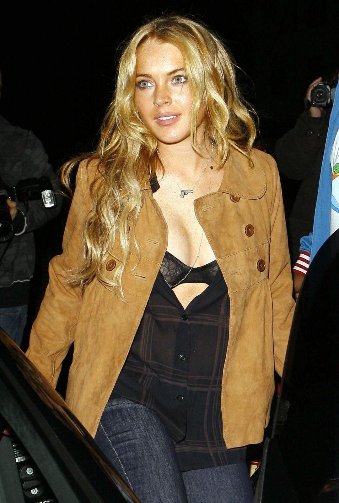 Lindsay Lohan Bra 02 My New Hair