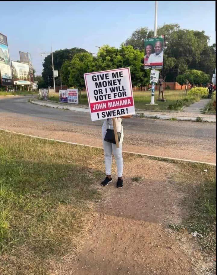 """""""Give me money or I'll vote for Mahama"""" campaign hit Accra Streets 2"""