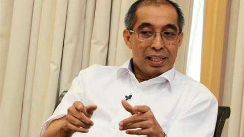 Datuk Seri Dr Salleh Said Keruak,
