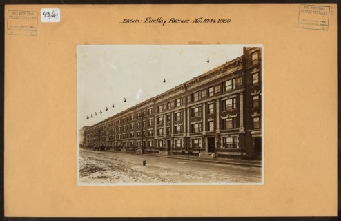 1044-1080 Findlay Avenue between 165th and 166th Streets in 1916/NYPL Digital Collections