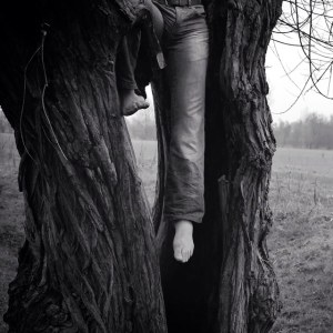 et Filii, Crucifixion series, ii, by Melanie Gow, Stand AppArt