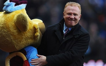 alex_mcleish_mascot