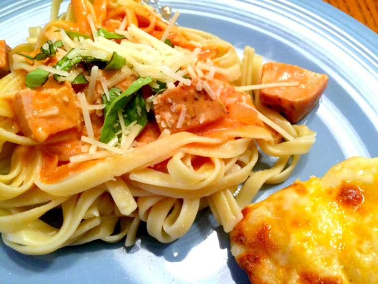 Fettuccini with Tomato Cream Sauce & Sun Dried Turkey Breast | via MyOtherMoreExcitingSelf.com #tryturkey #switchtoturkey #turkeyeveryday