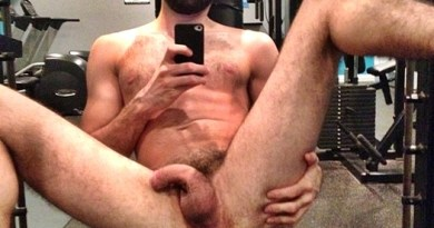 showing butthole at gym