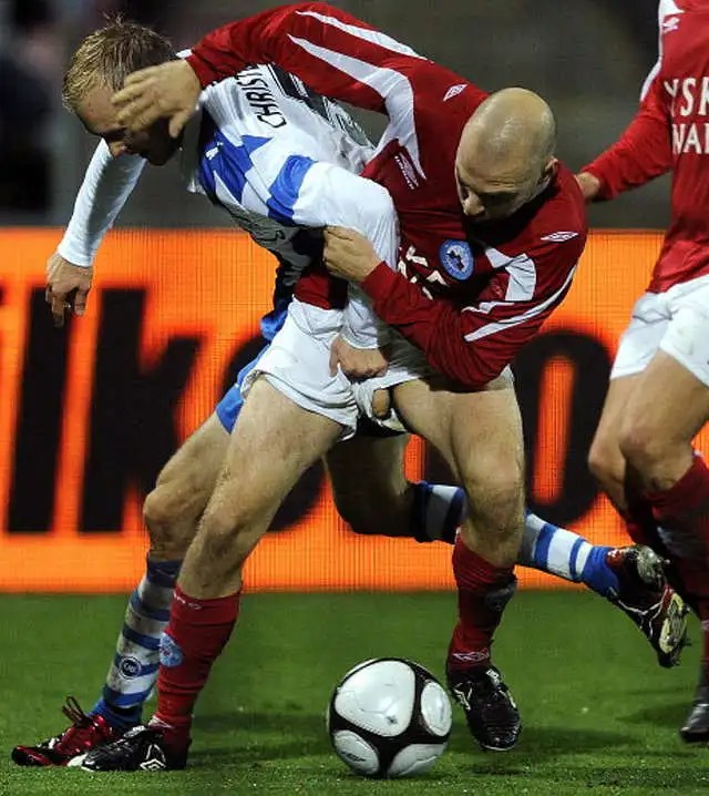 soccer_player_thick_uncut_cock_pops_out_of_shorts