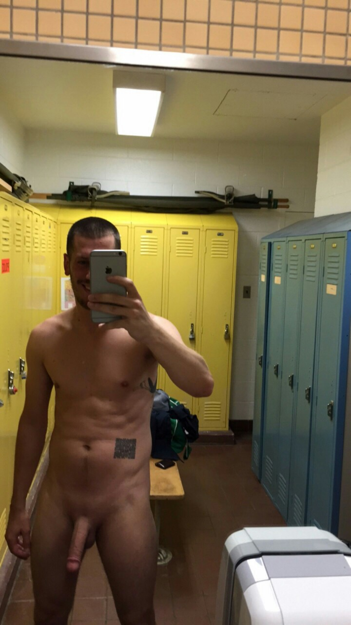 Hunk naked self pics in the dressing room
