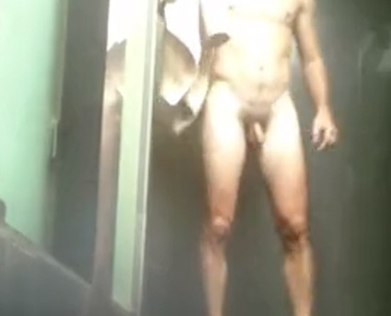 spy-hunk-in-the-showers
