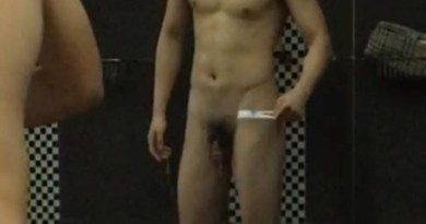chinese-stud-spied-in showers