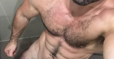sexy-hunk-naked-big-dick