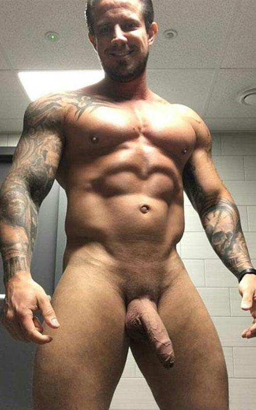 big-dick-hunk-gym