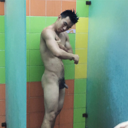 chinese-dick-in-showers