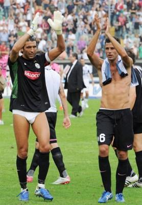 Gianluigi-Buffon-in-mutande-nudo