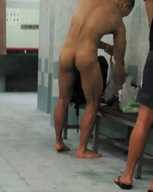 muscle-asian-swimmer-with-tigh-butt-naked
