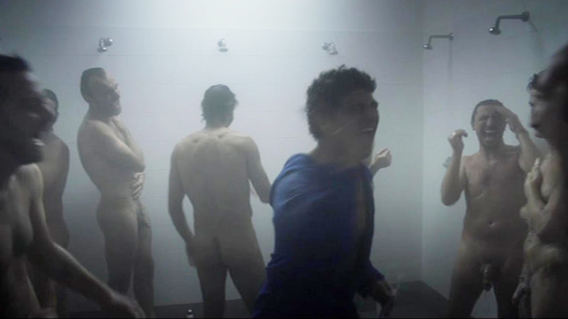 naked-team-in-showers