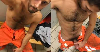 hairy-construction-worker-naked
