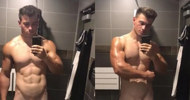 muscle-hottie-with-big-shaved-cock