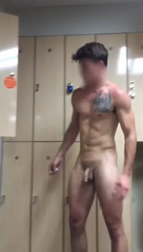 Body guys naked Fit Dudes