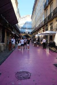 la Pink Street dans le quartier de Cais do Sodré.